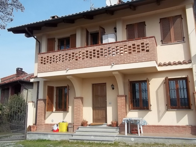 Appartamento in affitto a Castagneto Po, 3 locali, prezzo € 430 | Cambio Casa.it