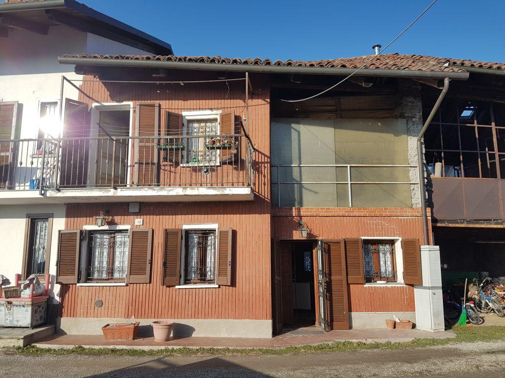 Soluzione Indipendente in vendita a Castiglione Torinese, 5 locali, prezzo € 77.000 | CambioCasa.it