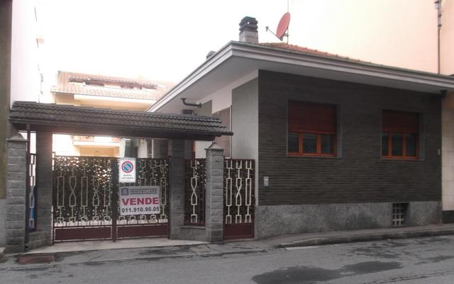 Soluzione Indipendente in vendita a Chivasso, 6 locali, prezzo € 269.000   Cambio Casa.it