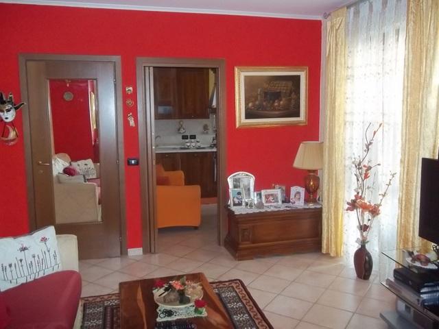 Appartamento in vendita a Montanaro, 4 locali, prezzo € 125.000 | Cambio Casa.it