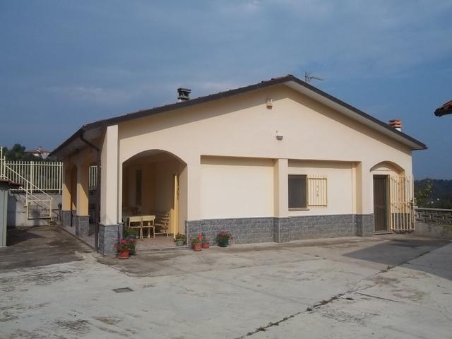 Soluzione Indipendente in vendita a Lauriano, 3 locali, prezzo € 115.000 | PortaleAgenzieImmobiliari.it