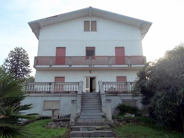 Soluzione Semindipendente in vendita a Moncrivello, 8 locali, prezzo € 179.000 | CambioCasa.it