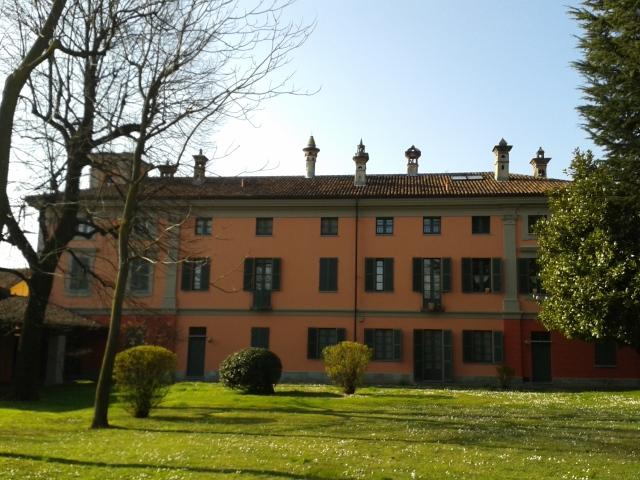 Appartamento in vendita a Montanaro, 10 locali, prezzo € 500.000 | Cambio Casa.it