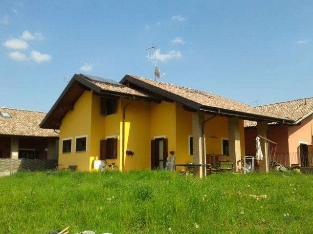 Soluzione Indipendente in vendita a Casalborgone, 6 locali, prezzo € 230.000   Cambio Casa.it