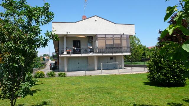 Negozio / Locale in vendita a Mazzè, 18 locali, Trattative riservate | Cambio Casa.it