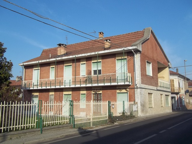 Soluzione Indipendente in vendita a Brusasco, 12 locali, prezzo € 135.000 | CambioCasa.it