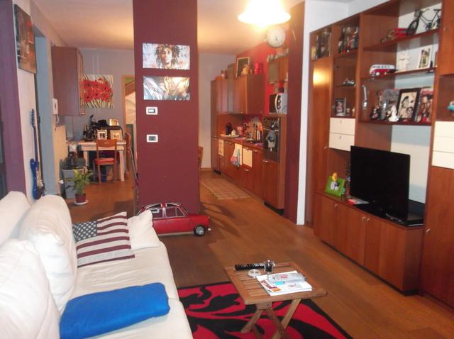 vendita appartamento chivasso  VIA BORLA 139000 euro  4 locali  80 mq