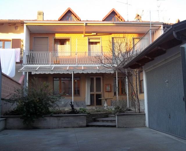 Soluzione Indipendente in vendita a Verolengo, 8 locali, Trattative riservate   CambioCasa.it
