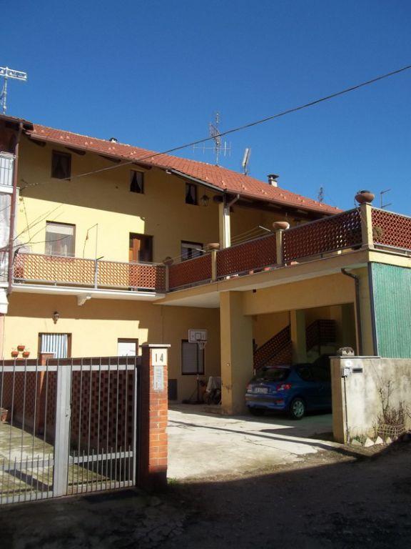 Appartamento in vendita a Chivasso, 6 locali, prezzo € 139.000 | CambioCasa.it