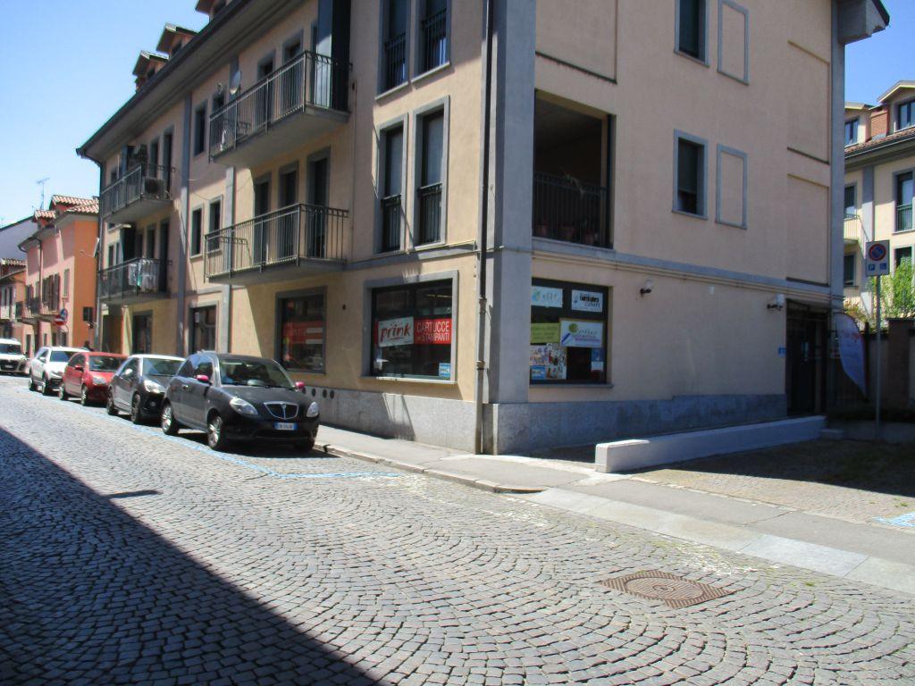 Negozio / Locale in affitto a Chivasso, 1 locali, prezzo € 800 | Cambio Casa.it