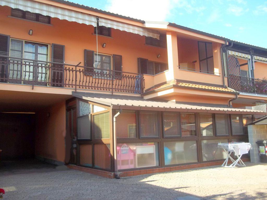 Soluzione Indipendente in vendita a Verolengo, 10 locali, prezzo € 239.000 | Cambio Casa.it