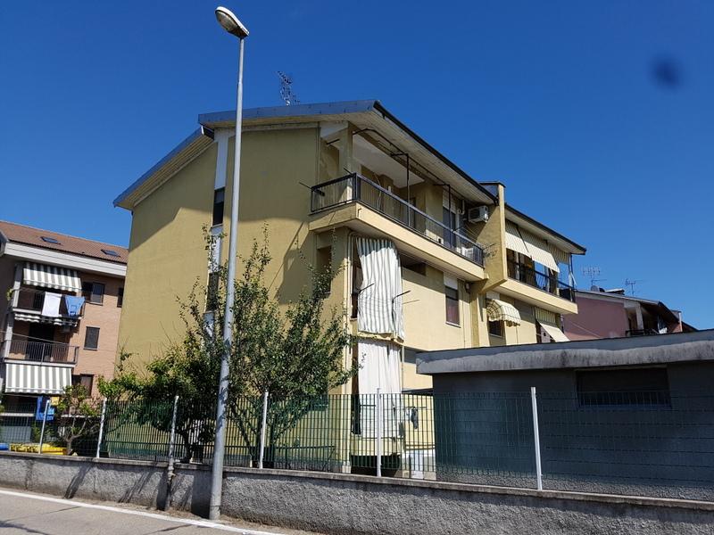 Appartamento in vendita a Brandizzo, 4 locali, prezzo € 119.000 | Cambio Casa.it