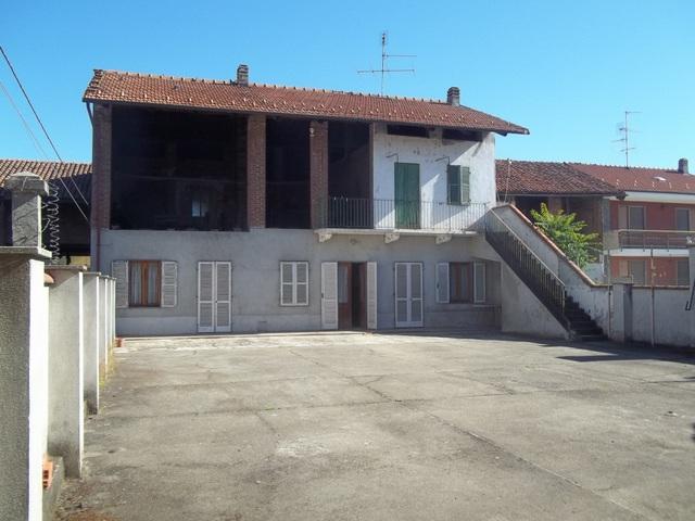 Soluzione Indipendente in vendita a Verolengo, 10 locali, zona Località: FRAZIONE BORGO REVEL, prezzo € 99.000 | Cambio Casa.it