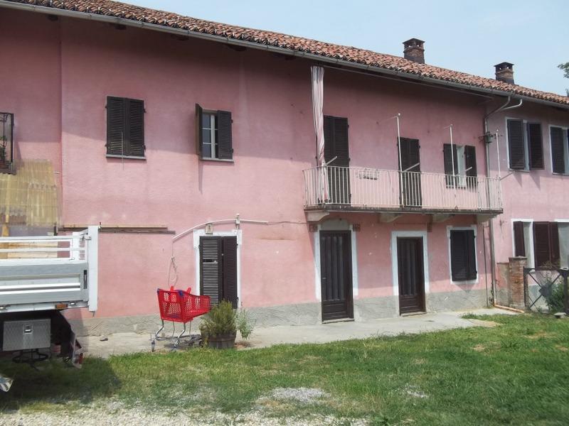 Appartamento in affitto a Castagneto Po, 5 locali, prezzo € 400 | Cambio Casa.it