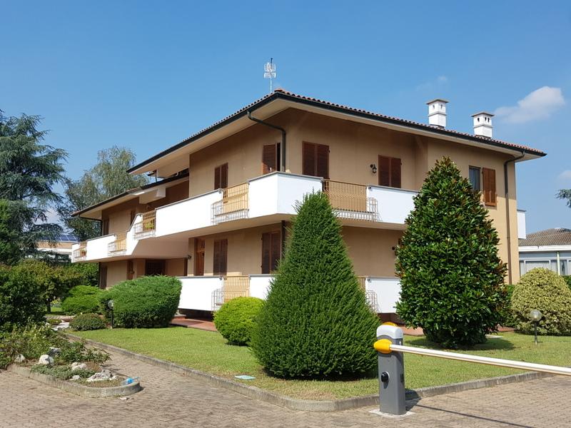 Appartamento in vendita a Brandizzo, 5 locali, prezzo € 179.000 | Cambio Casa.it