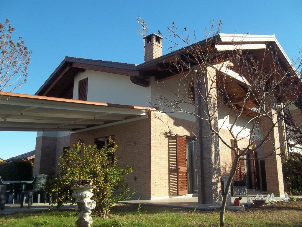 Soluzione Indipendente in vendita a Torrazza Piemonte, 9 locali, Trattative riservate | CambioCasa.it