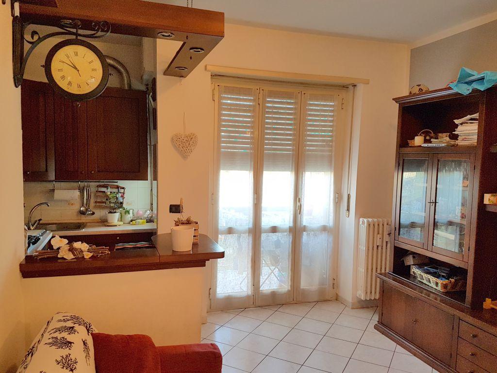 Appartamento in affitto a Chivasso, 2 locali, prezzo € 350 | Cambio Casa.it