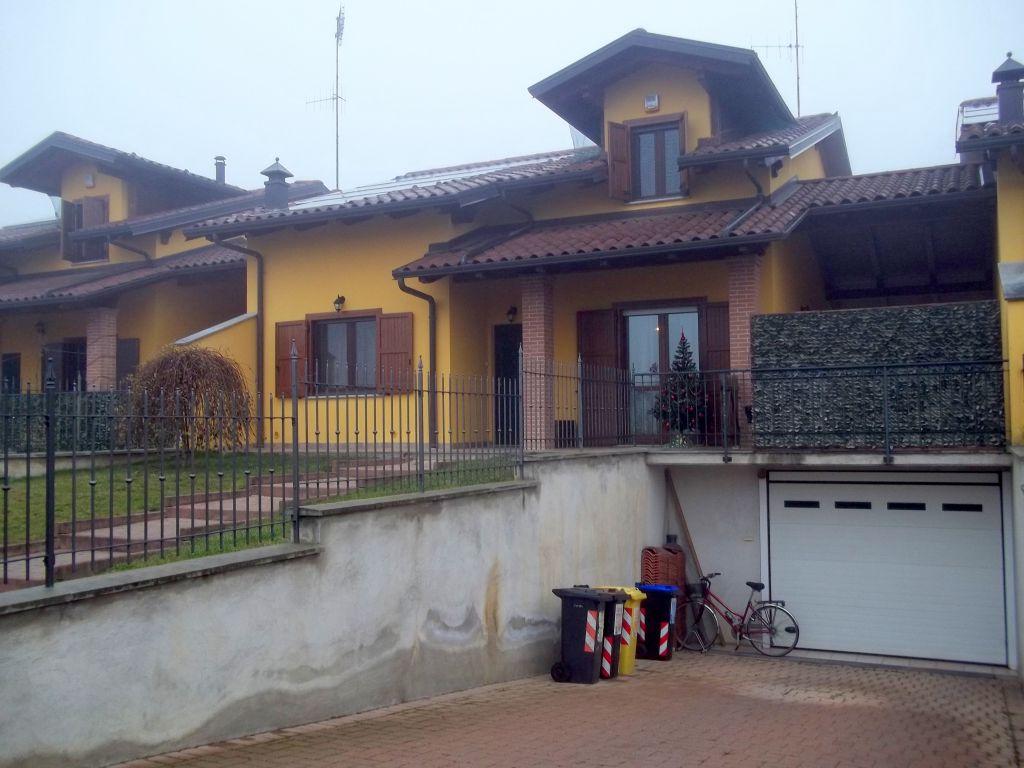 Soluzione Indipendente in vendita a Torrazza Piemonte, 10 locali, Trattative riservate | CambioCasa.it