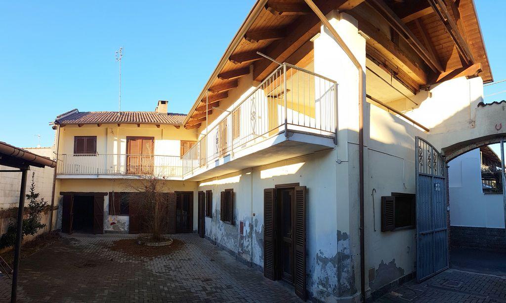 Soluzione Indipendente in vendita a Montanaro, 6 locali, prezzo € 197.000 | Cambio Casa.it