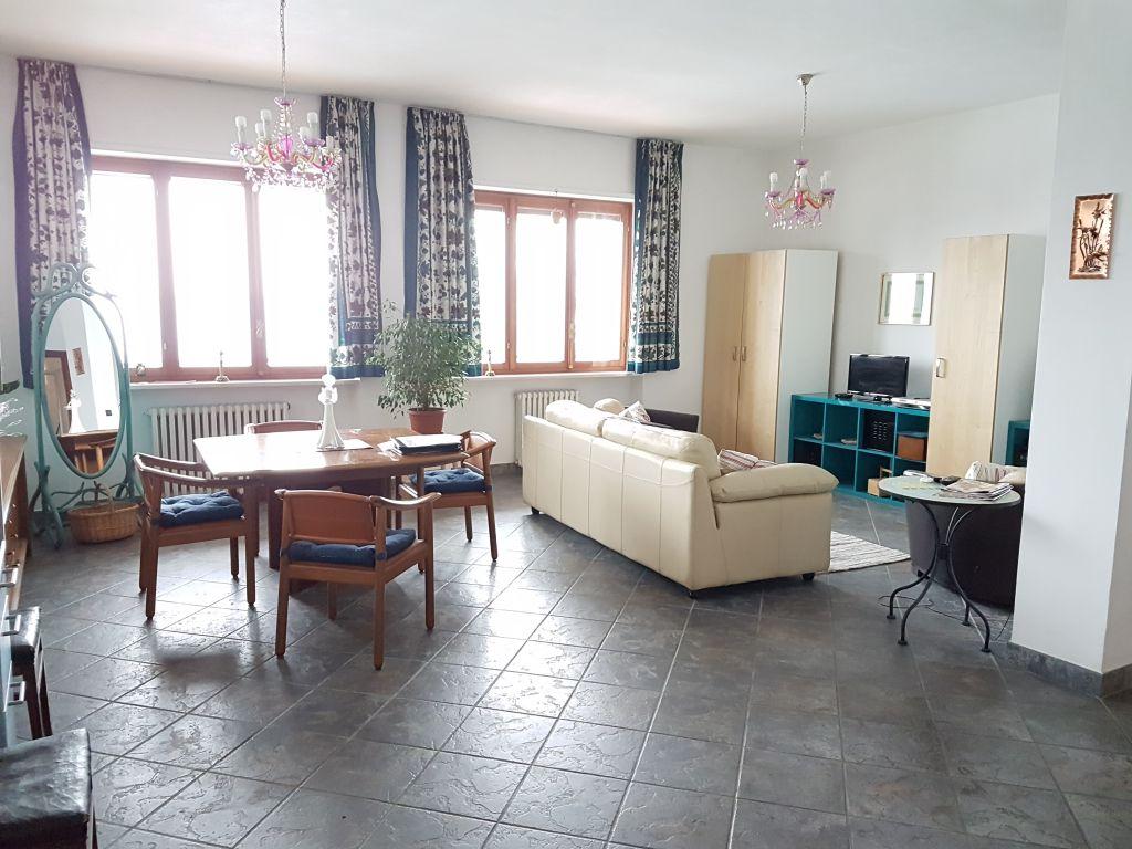 Appartamento in vendita a Lauriano, 3 locali, prezzo € 109.000 | CambioCasa.it