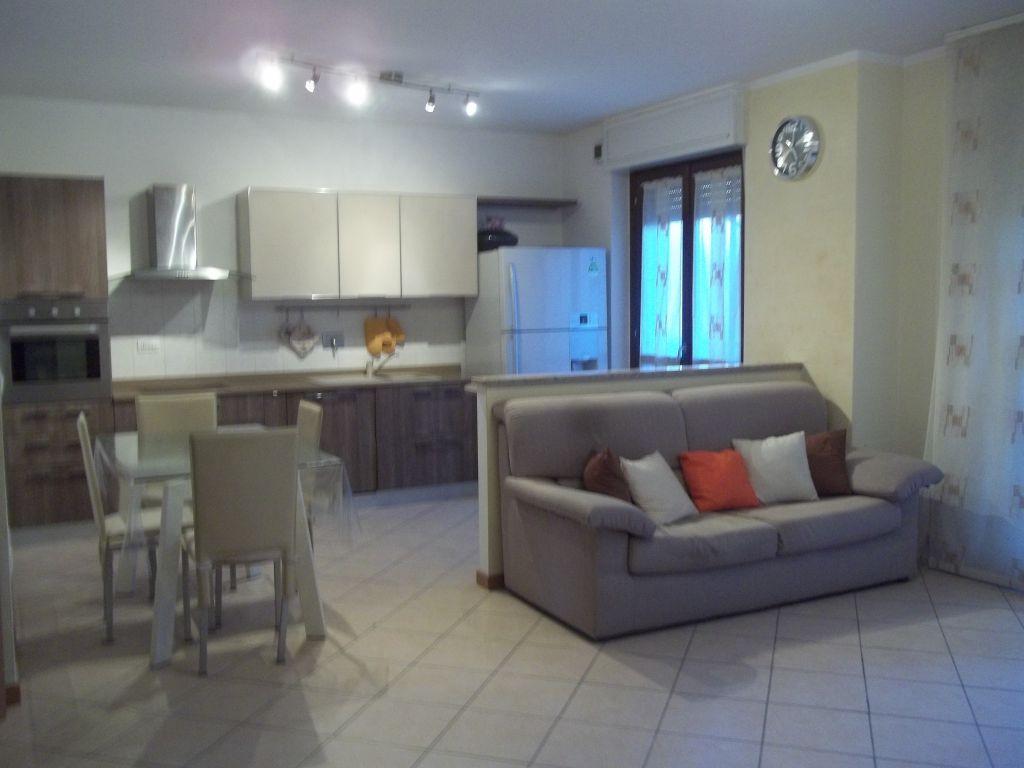 Appartamento in vendita a Torrazza Piemonte, 8 locali, prezzo € 159.000 | Cambio Casa.it