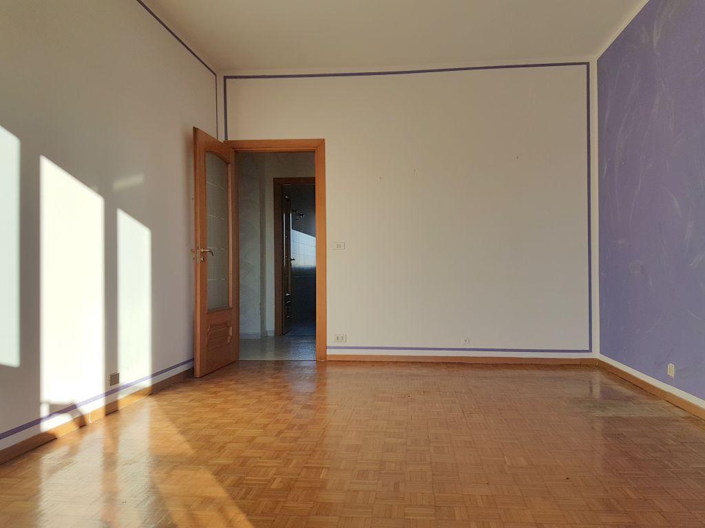 Appartamento in affitto a Chivasso, 3 locali, prezzo € 400 | Cambio Casa.it