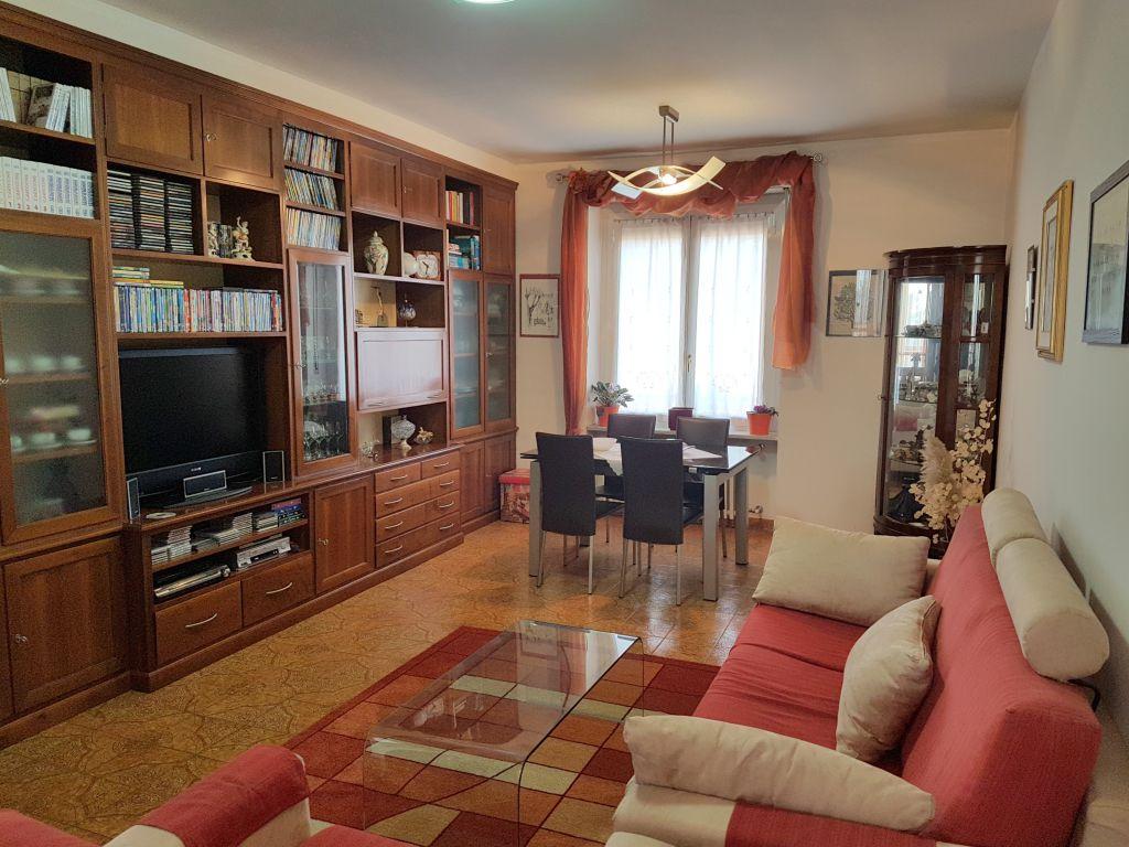 Appartamento in vendita a Cambiano, 4 locali, prezzo € 169.000 | Cambio Casa.it