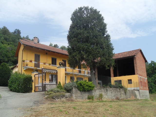 Soluzione Indipendente in vendita a Castagneto Po, 10 locali, prezzo € 209.000 | CambioCasa.it
