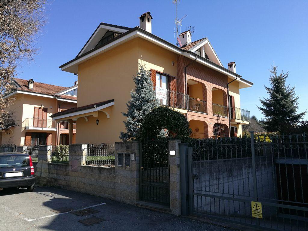 Soluzione Indipendente in vendita a Torrazza Piemonte, 10 locali, prezzo € 209.000 | Cambio Casa.it