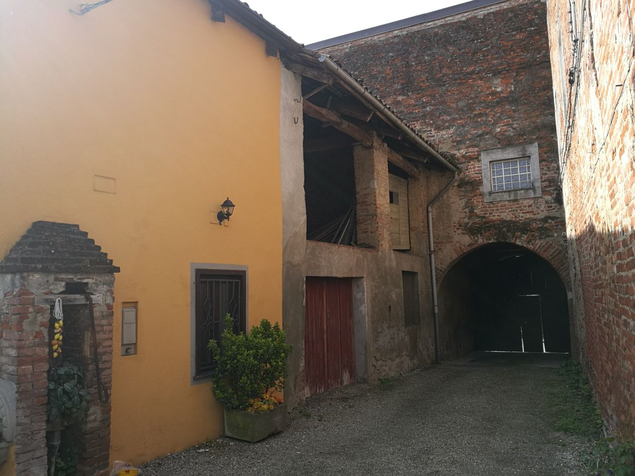 Casa Indipendente CRESCENTINO 2704