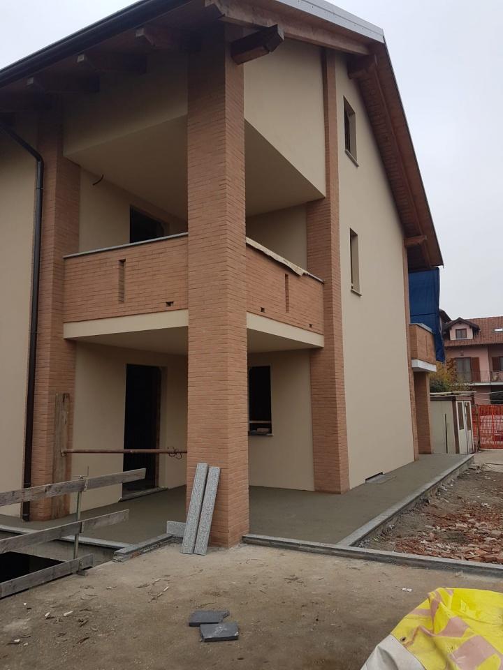 Appartamento in vendita a Chivasso, 4 locali, prezzo € 129.000   CambioCasa.it