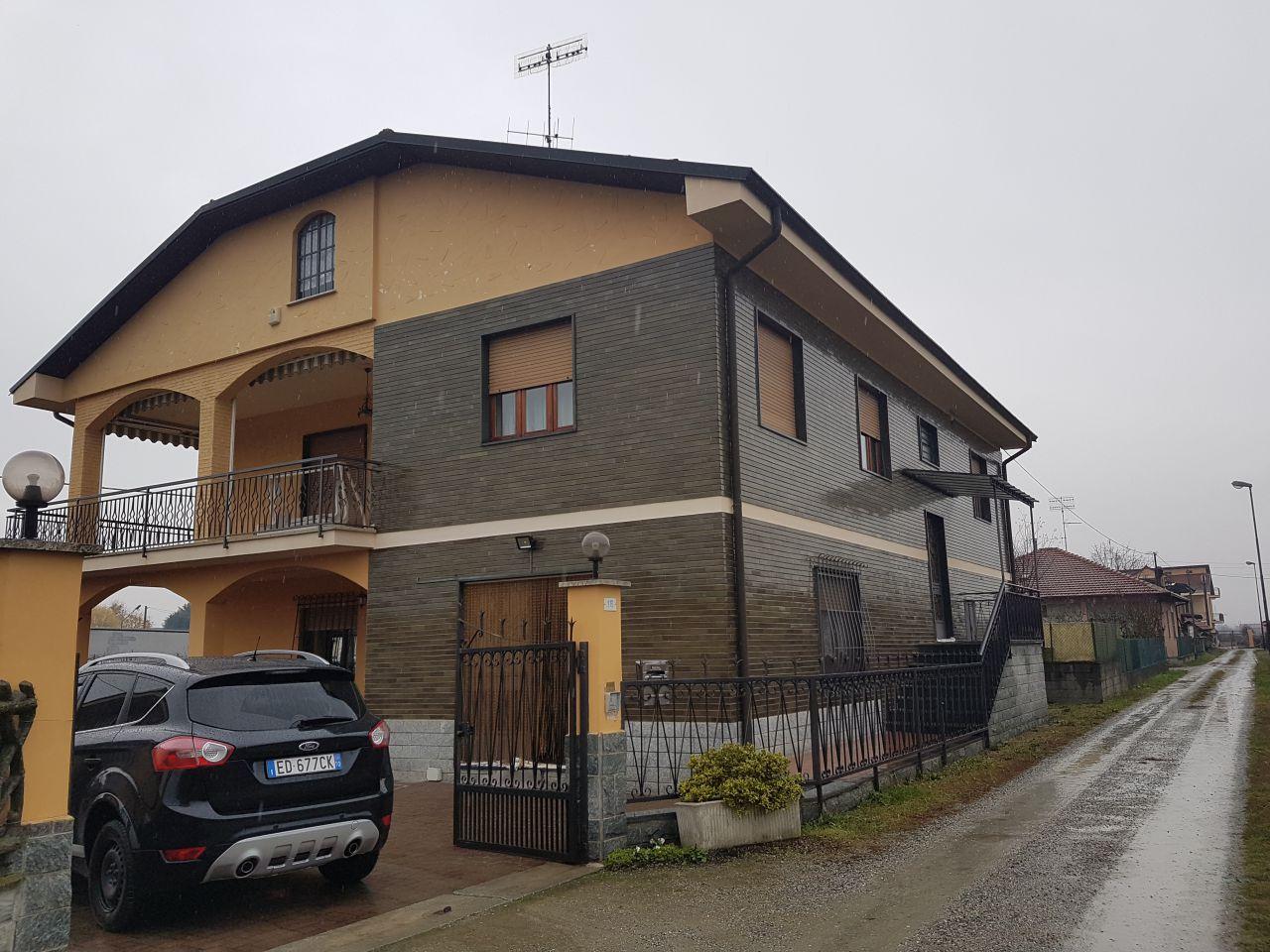 Soluzione Indipendente in vendita a Verolengo, 20 locali, zona Località: FRAZIONE ROLANDINI, prezzo € 378.000 | Cambio Casa.it