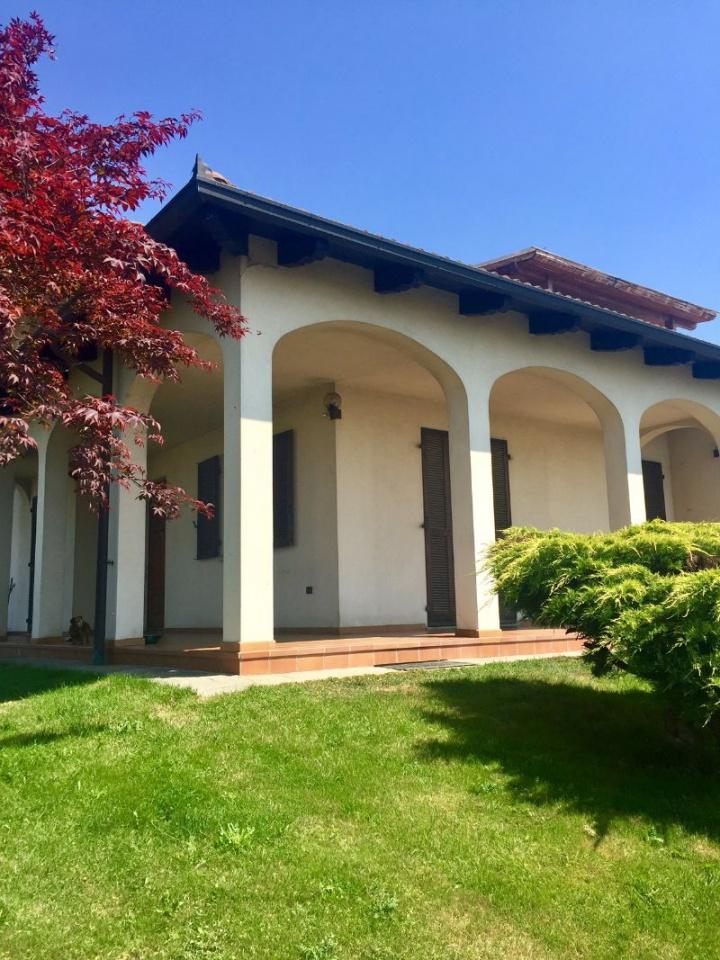 Appartamento in vendita a Rondissone, 7 locali, prezzo € 169.000 | CambioCasa.it