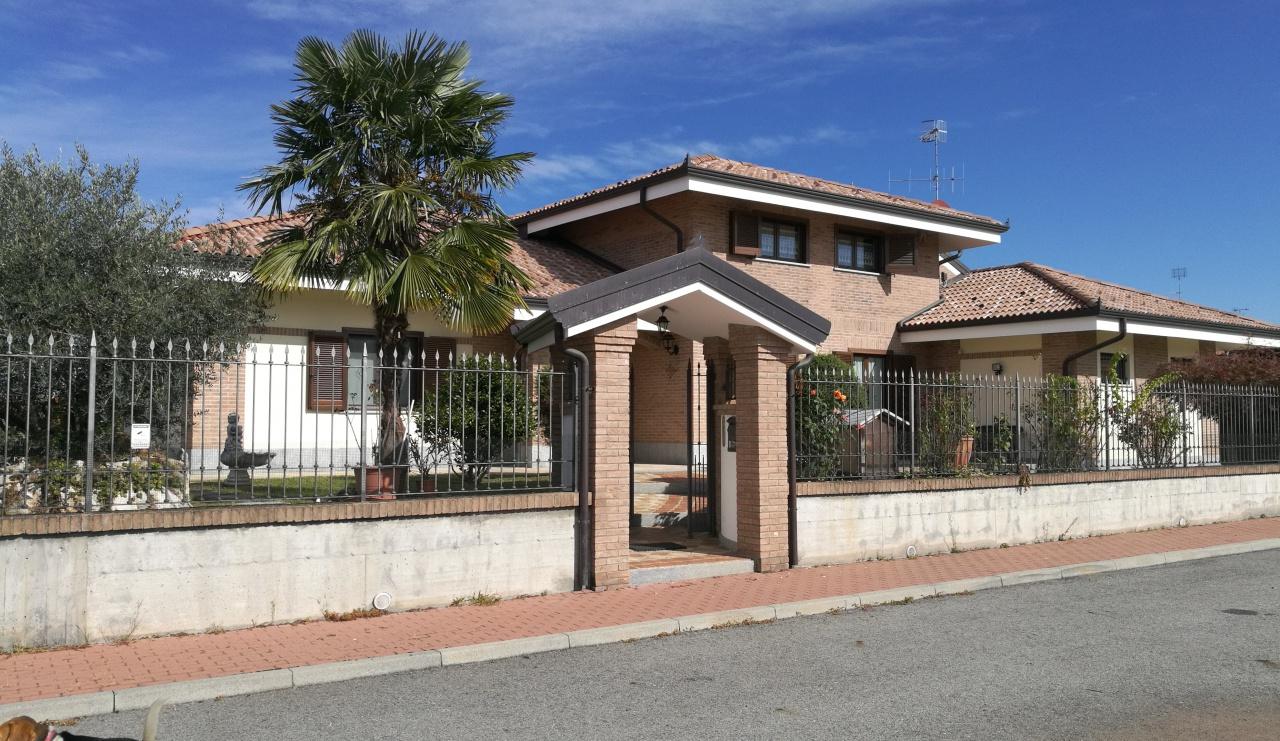 Soluzione Indipendente in vendita a Torrazza Piemonte, 9 locali, prezzo € 399.000 | CambioCasa.it