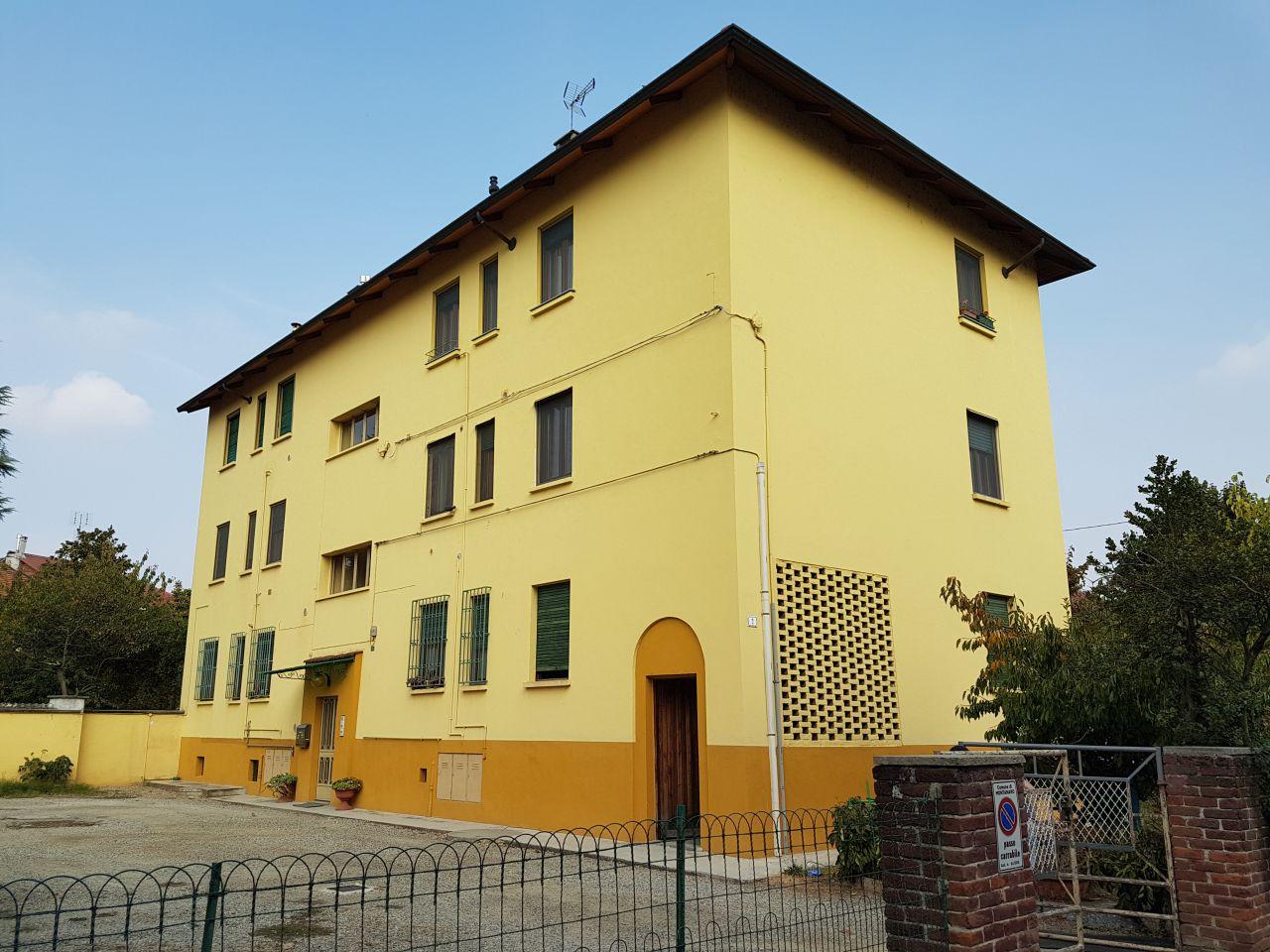 Appartamento in vendita a Montanaro, 4 locali, prezzo € 67.000 | CambioCasa.it