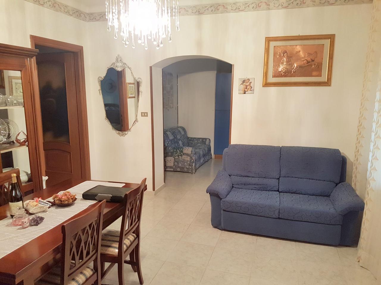 Appartamento in vendita a Brandizzo, 4 locali, prezzo € 117.000   CambioCasa.it
