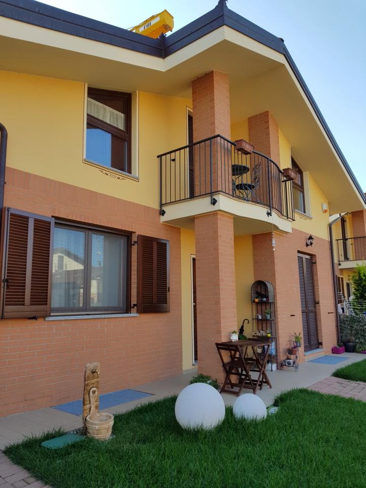 Soluzione Indipendente in vendita a Torrazza Piemonte, 9 locali, prezzo € 239.000 | CambioCasa.it