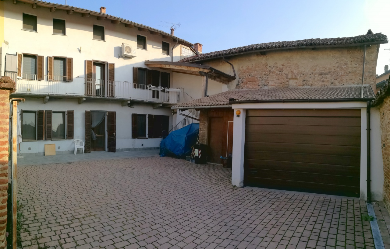Soluzione Indipendente in vendita a Verolengo, 10 locali, prezzo € 229.000 | CambioCasa.it