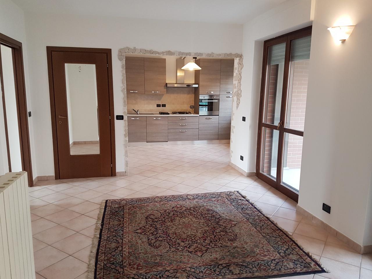 Appartamento in vendita a Montanaro, 4 locali, prezzo € 100.000 | CambioCasa.it