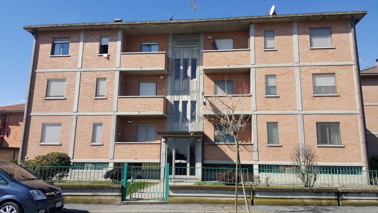 Appartamento in vendita a Crescentino, 5 locali, prezzo € 80.000 | CambioCasa.it