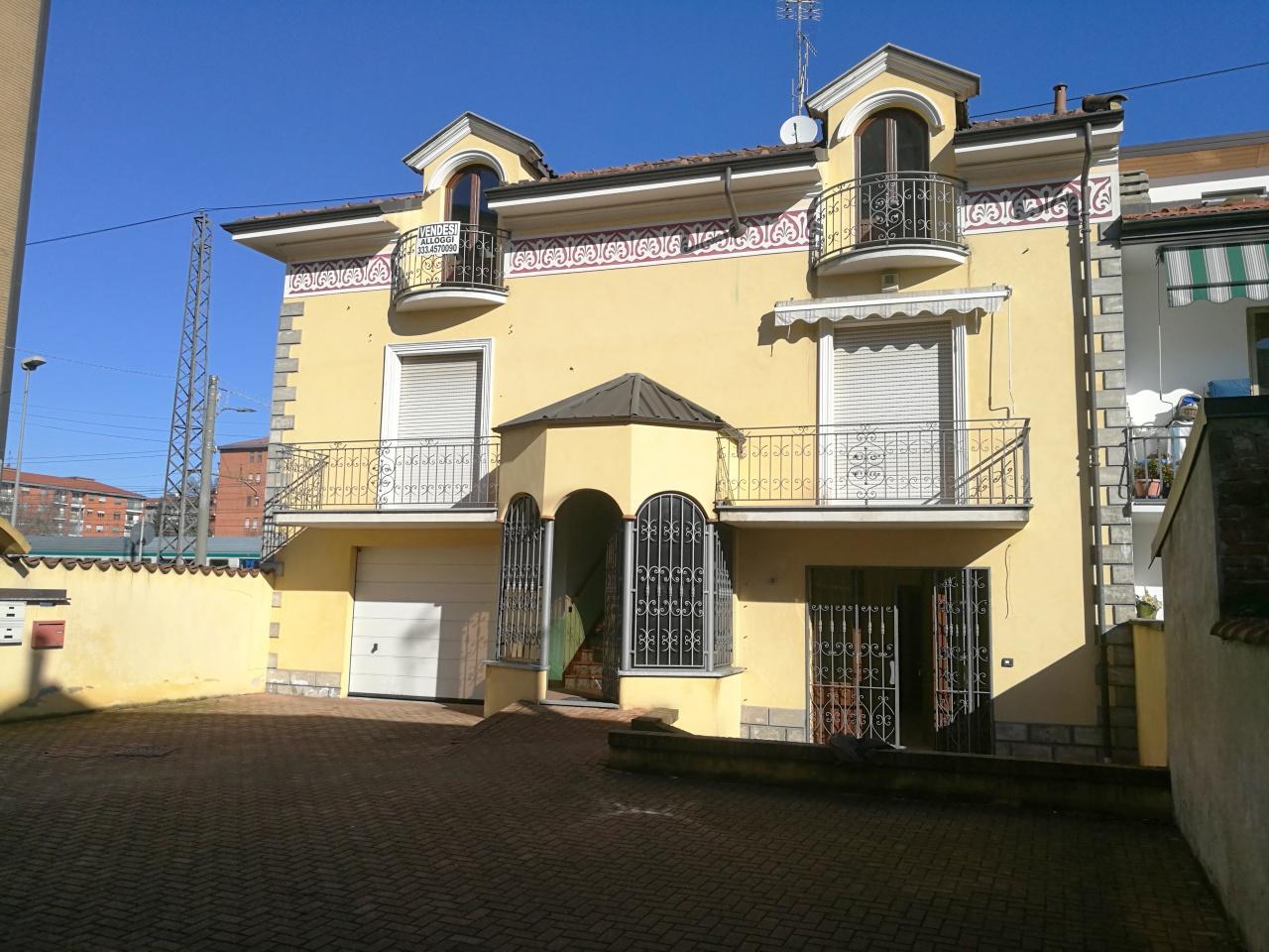 Appartamento in vendita a Chivasso, 3 locali, prezzo € 130.000   CambioCasa.it