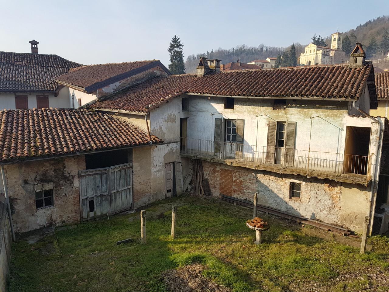 Soluzione Indipendente in vendita a Monteu da Po, 12 locali, prezzo € 109.000 | CambioCasa.it