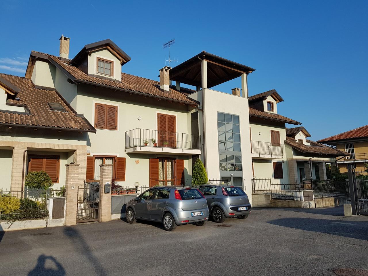 Appartamento in vendita a Chivasso, 3 locali, prezzo € 149.000 | CambioCasa.it
