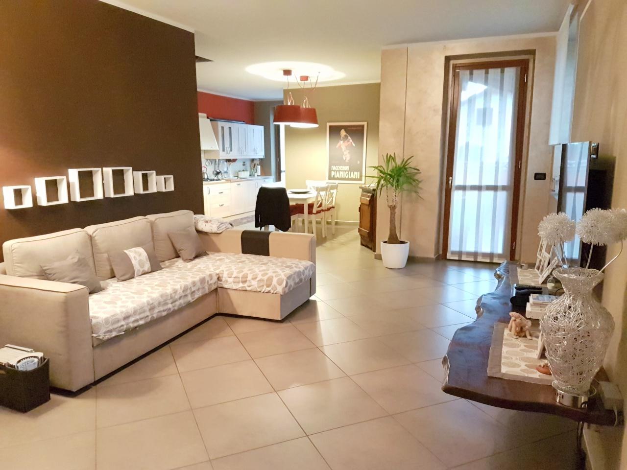 Appartamento in vendita a Caluso, 4 locali, prezzo € 139.000 | CambioCasa.it