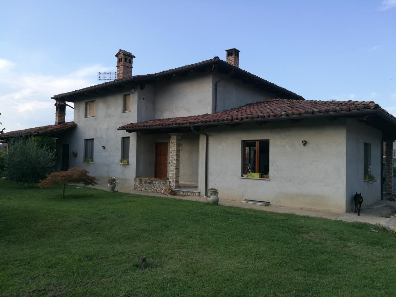 Soluzione Indipendente in vendita a Caluso, 12 locali, prezzo € 349.000 | CambioCasa.it