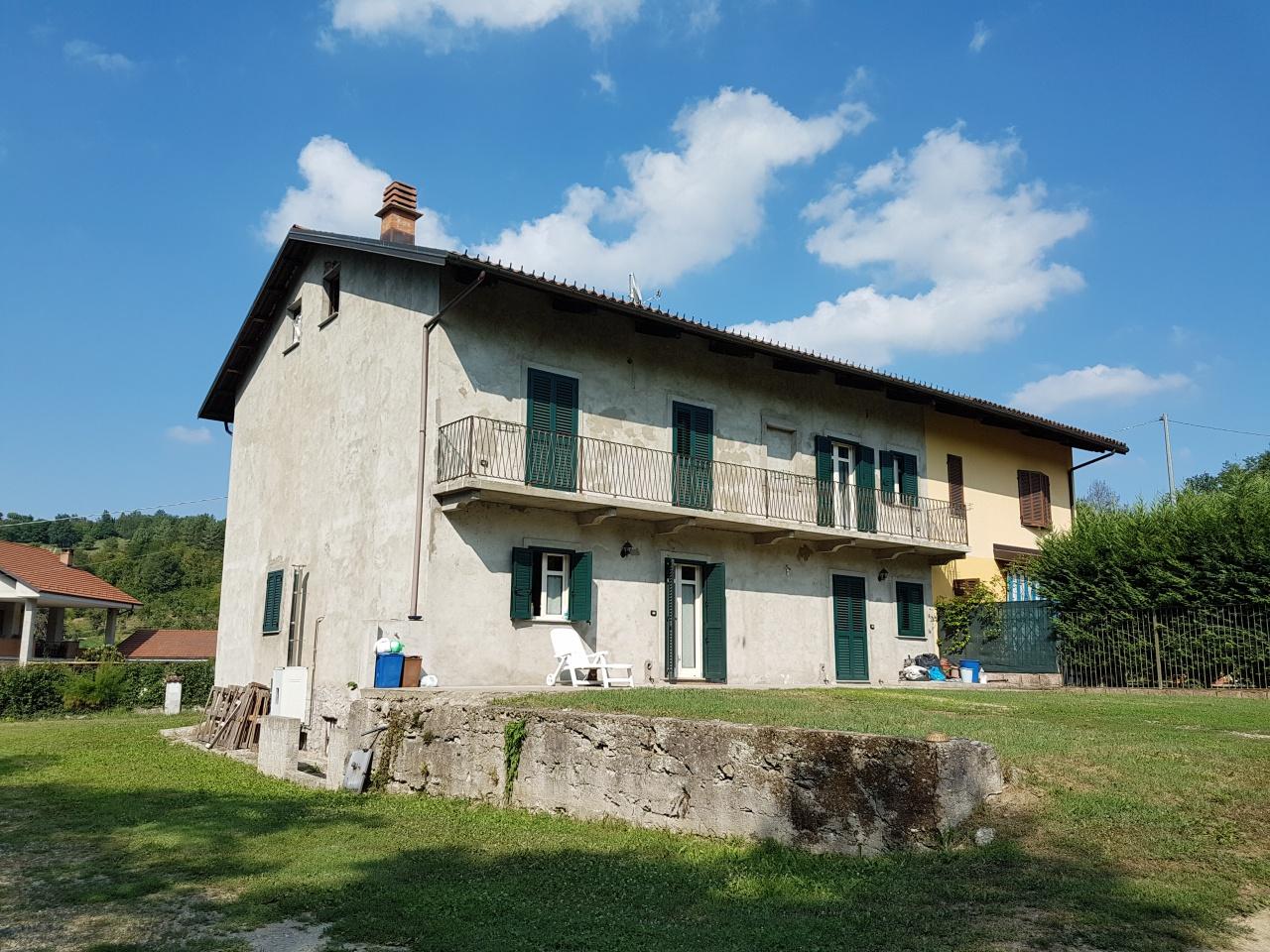 Soluzione Indipendente in vendita a Casalborgone, 8 locali, prezzo € 225.000   CambioCasa.it