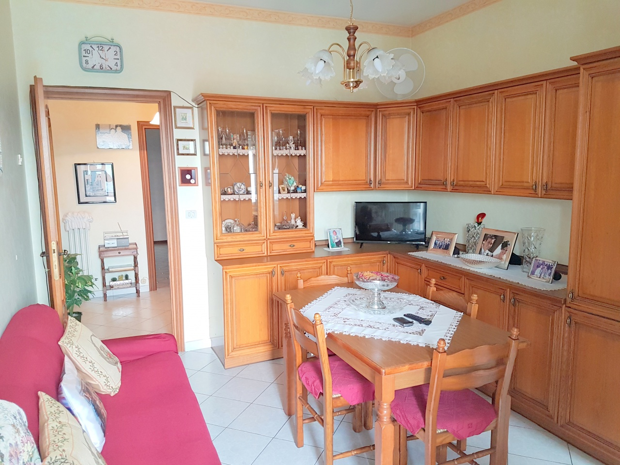 Appartamento in buone condizioni in vendita Rif. 8333316