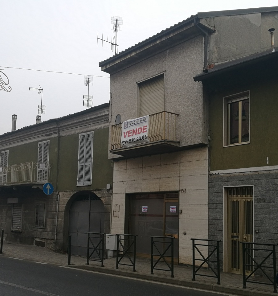 Negozio / Locale in vendita a Chivasso, 2 locali, prezzo € 49.000 | PortaleAgenzieImmobiliari.it