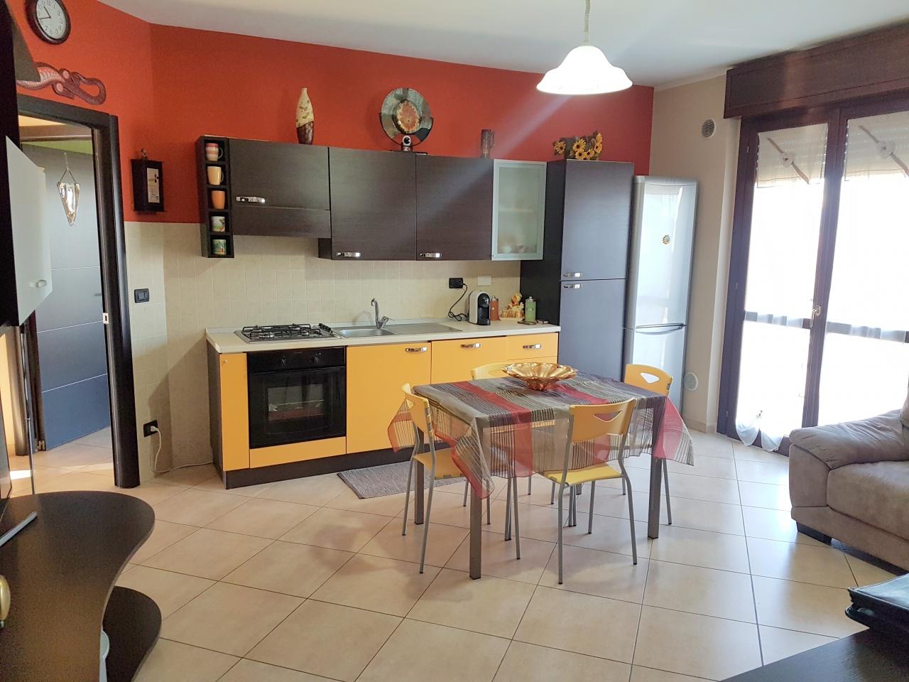 Appartamento in ottime condizioni in vendita Rif. 9230798
