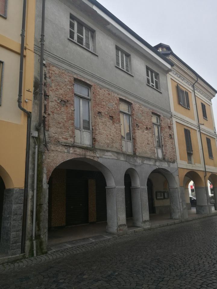 Soluzione Indipendente in vendita a Verolengo, 14 locali, prezzo € 110.000 | CambioCasa.it